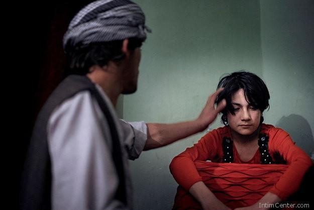afgan_ferfi_kislannyal_szexel